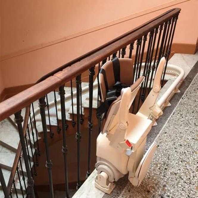 installation monte escalier nice