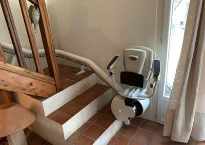 Monte escalier mono rail d'occasion reconditionné à neuf